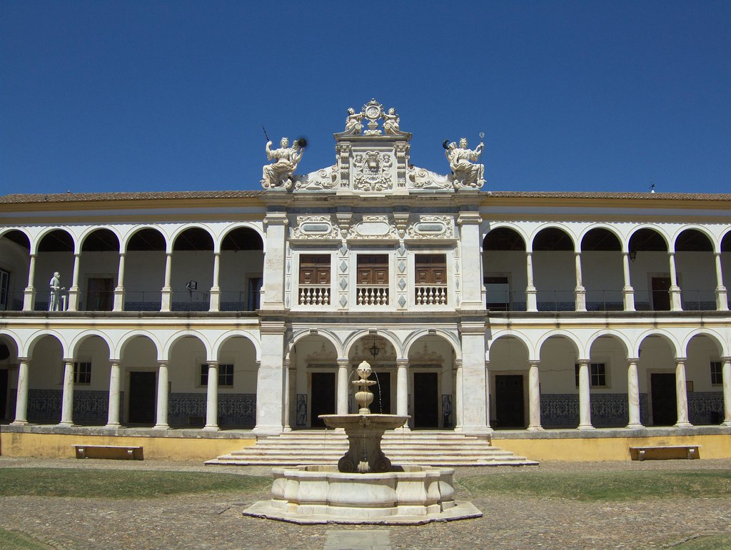 Univeristy of Évora